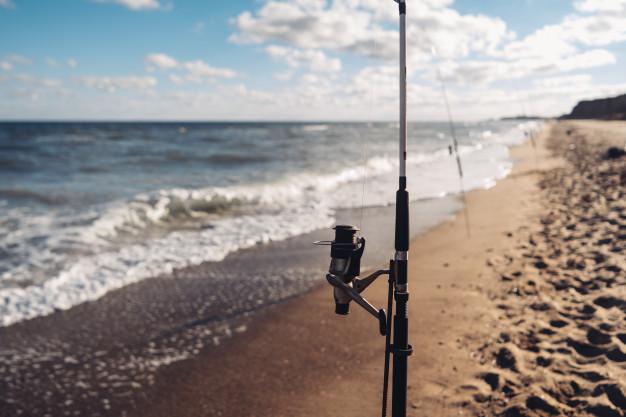 fiske ved stranden